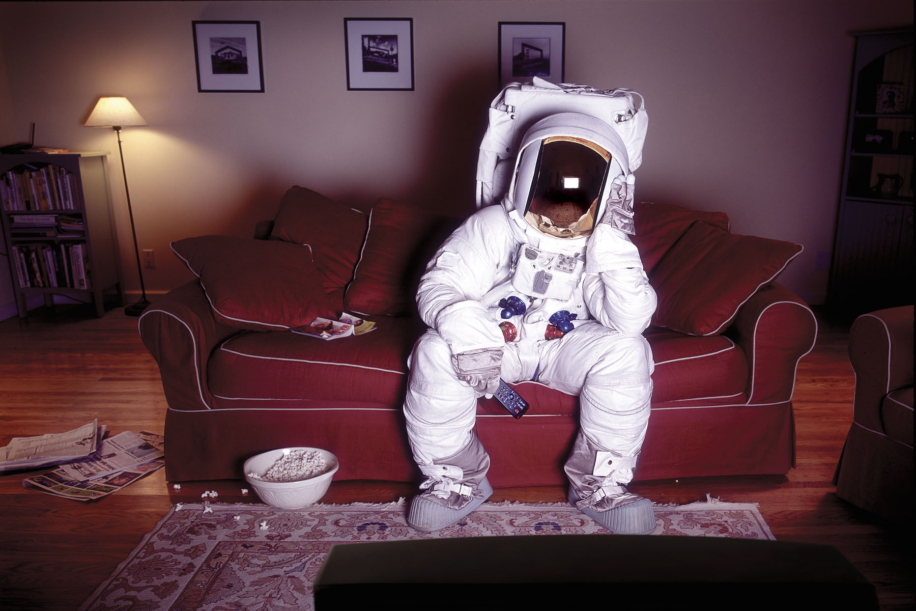 Astronaut_CouchTV_HEweb_SIZED.jpg