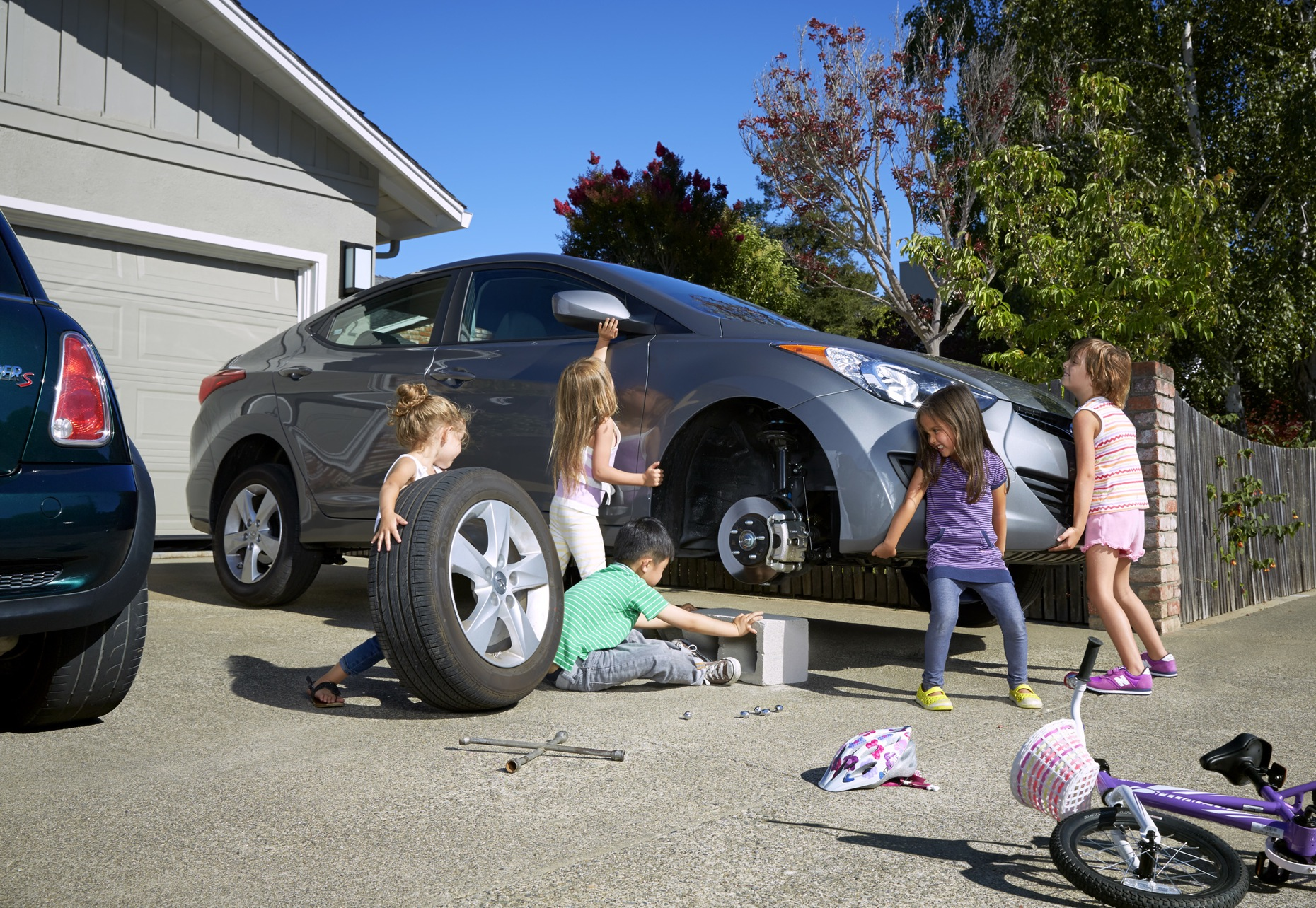 HFREEMAN_Kids_Lifting_Car_070_w10_fltnd_RGB_v2.jpg